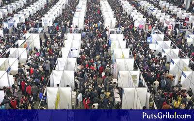China: Imagem impressionante da busca por Emprego