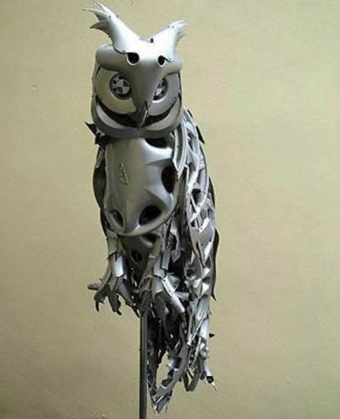 arte calota 8 Fotos: Esculturas De Calotas de Carros