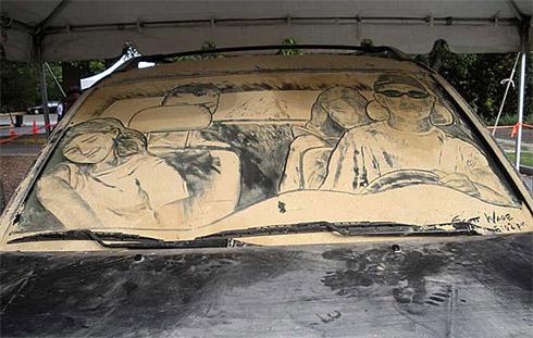 art dust 4 Arte na Poeira das Janelas dos Carros