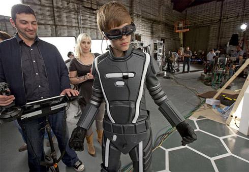 Justin Bieber e Ozzy Osbourne Em Propaganda no Super Bowl