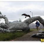 Escultura humanóide atropelada na Escócia