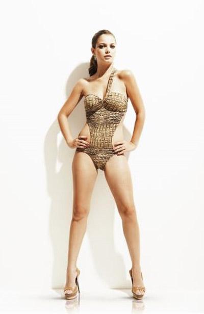 Milena Toscano em fotos na revista Shape