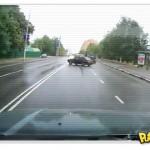 Na Rússia o carro estaciona você!