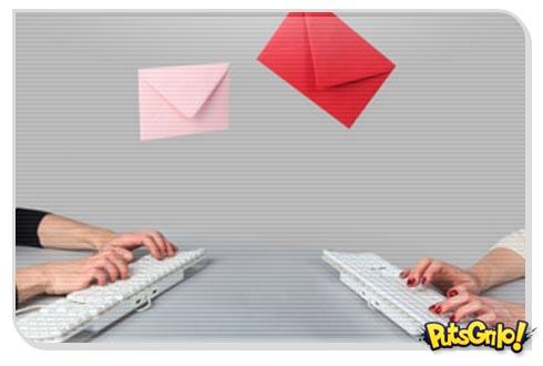 site manda email daqui a 30 anos