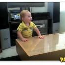 Bebê metaleiro curtindo Pantera