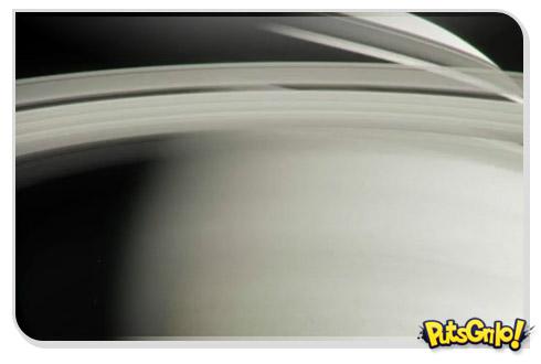 Missão espacial Cassini em vídeo espetacular