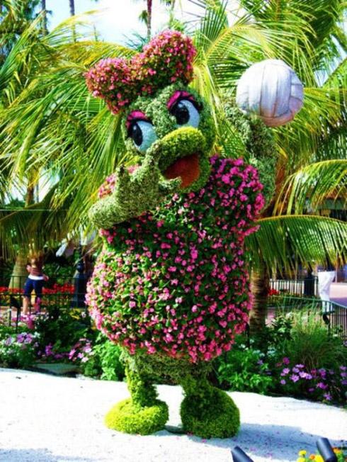 Disney: Personagens em esculturas de jardinagem