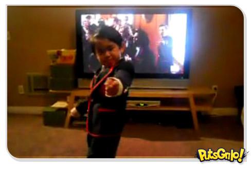 Série Glee: Criança dança música de Katy Perry