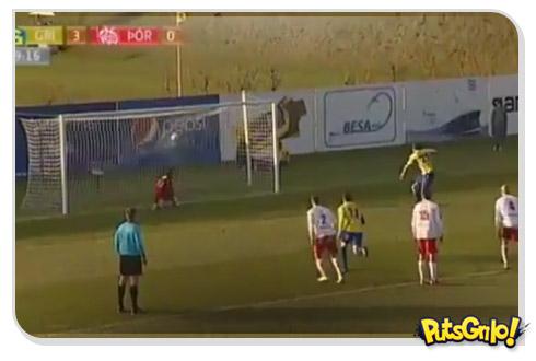 Futebol-arte: Gol inovador de penalty