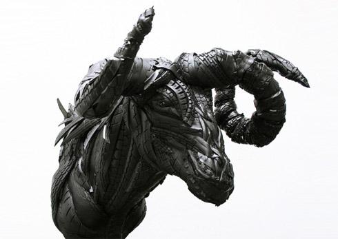 Esculturas incríveis feitas de pneus velhos