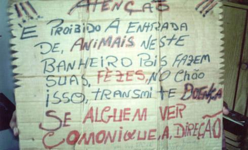 Placas desmotivacionais: Português fail