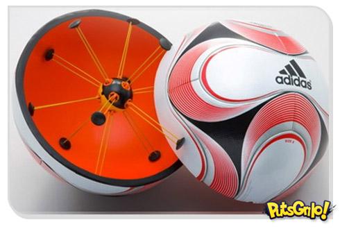Futebol implanta com bola com chip