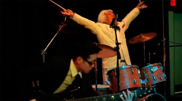 baterista japones empolgado O baterista mais empolgado do lado de lá do planeta!