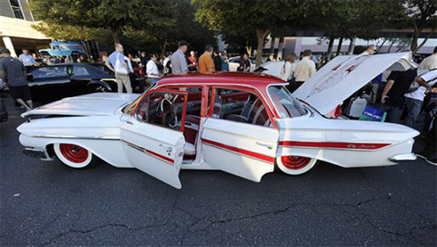 Fotos de Carros Tunados e Rebaixados no SEMA 2010