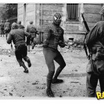 Super-heróis em montagens de fotos históricas