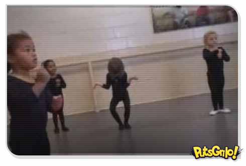 video menina dançando balé
