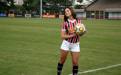 Maria do BBB em fotos no São Paulo Futebol Clube